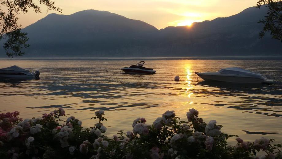 Noleggio barche sul lago di garda km boat charter for Noleggio di cabine per lago